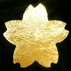 重押しで仕上げた金箔の拡大写真